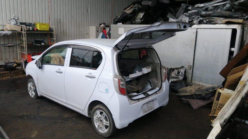 Стекло двери Daihatsu Mira E:s LA300S KF-VE3 2012 переднее левое