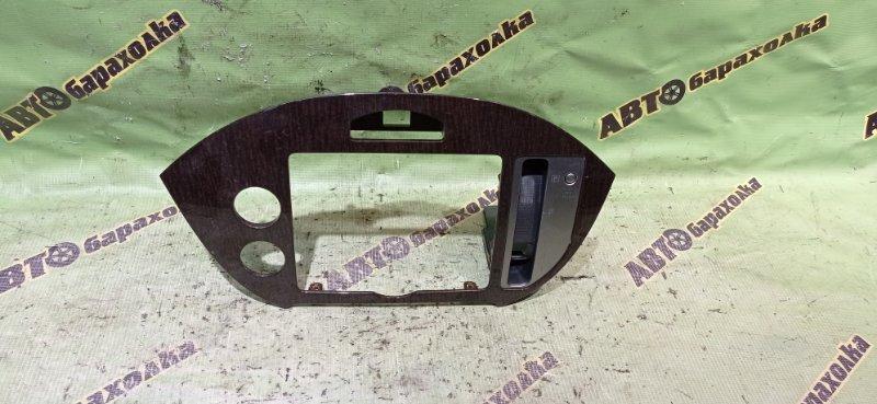 Консоль магнитофона Nissan Presage TNU31 QR25(DE)