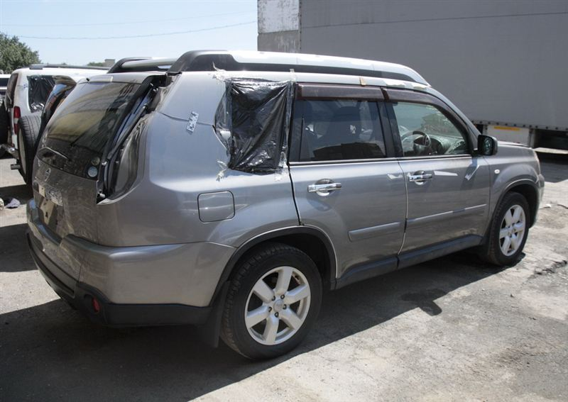 Лючок бензобака Nissan X-Trail NT31 MR20DE