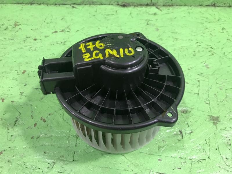 Мотор печки Toyota Isis ZGM10 2ZRFAE 2009 (б/у)