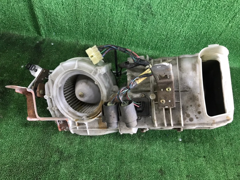 Печка Mazda Mpv LVLR WLT 1998 задняя (б/у)