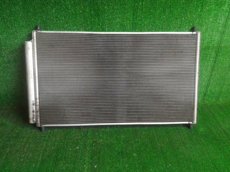 Радиатор кондиционера Toyota Aqua NHP10 1NZFXE 2012 передний (б/у)