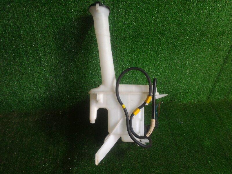 Бачок стеклоомывателя Toyota Aqua NHP10 1NZFXE 2012 передний (б/у)