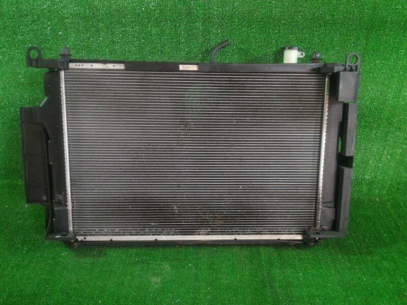 Радиатор основной Toyota Aqua NHP10 1NZFXE 2012 передний (б/у)