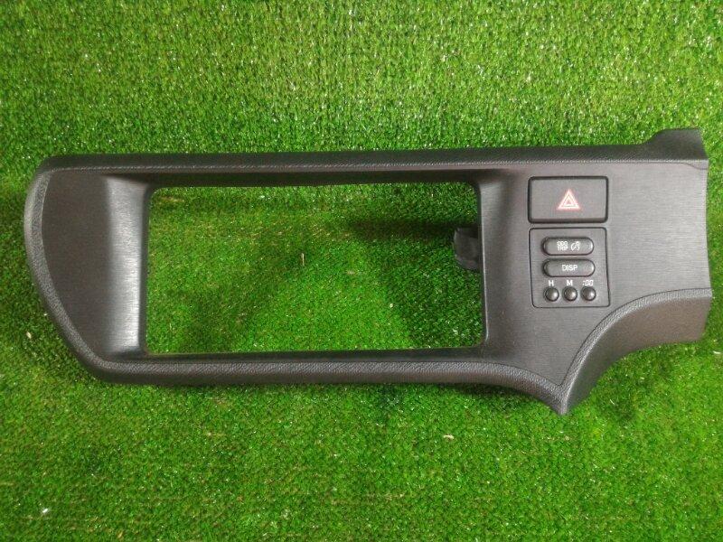 Консоль магнитофона Toyota Aqua NHP10 1NZFXE 2012 (б/у)