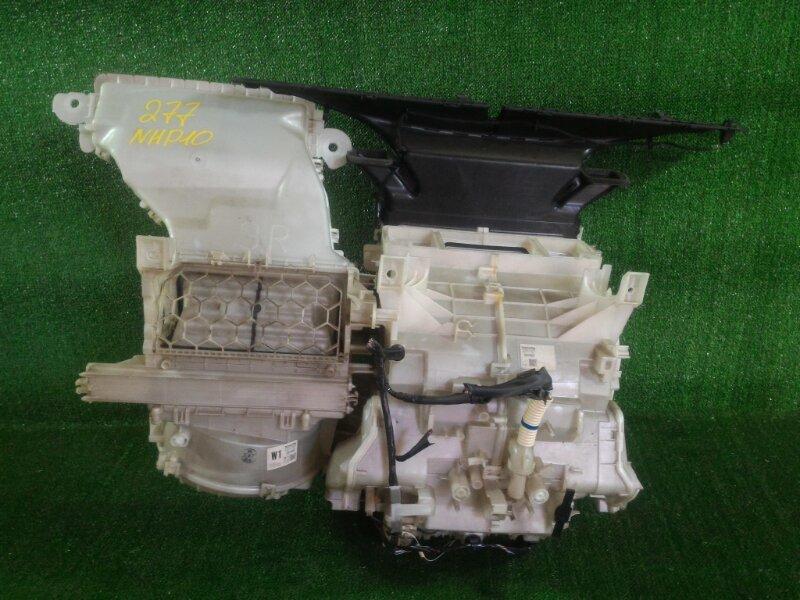 Корпус печки Toyota Aqua NHP10 1NZFXE 2012 передний (б/у)
