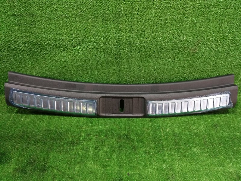 Накладка замка багажника Mazda Atenza GHEFW LFVD 2010 (б/у)