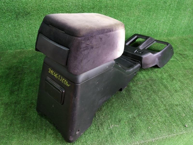 Бардачок между сиденьями Isuzu Vehicross UGS25DW 6VD1 1997 (б/у)