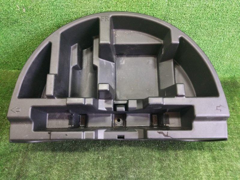 Ящик в багажник Toyota Prius NHW20 1NZFXE 2004 (б/у)