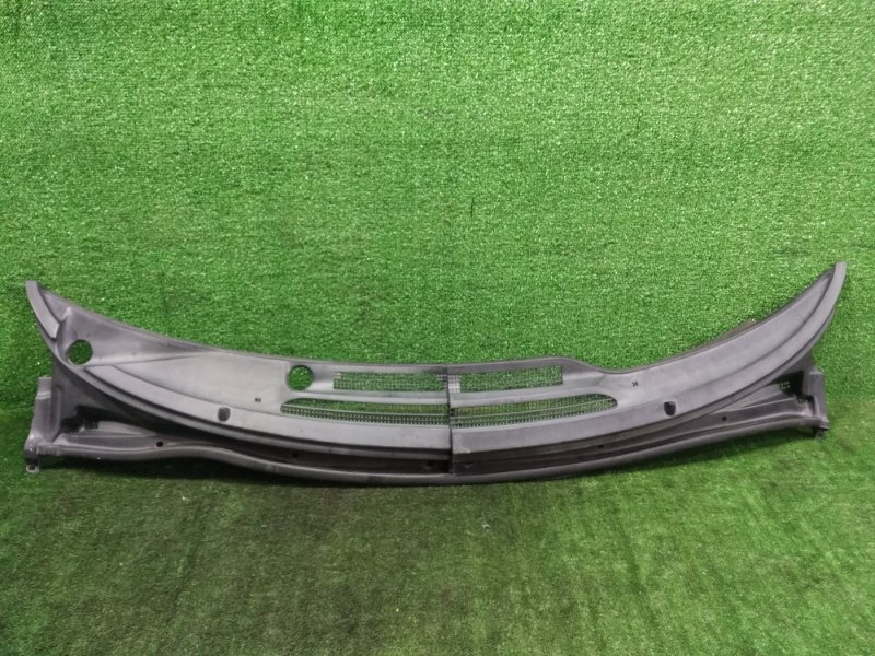 Планка под дворники Toyota Estima ACR40 2AZFE 2001 (б/у)