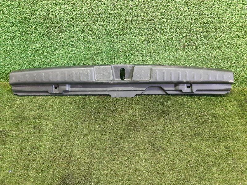 Накладка замка багажника Honda Hr-V GH3 D16A 2001 (б/у)