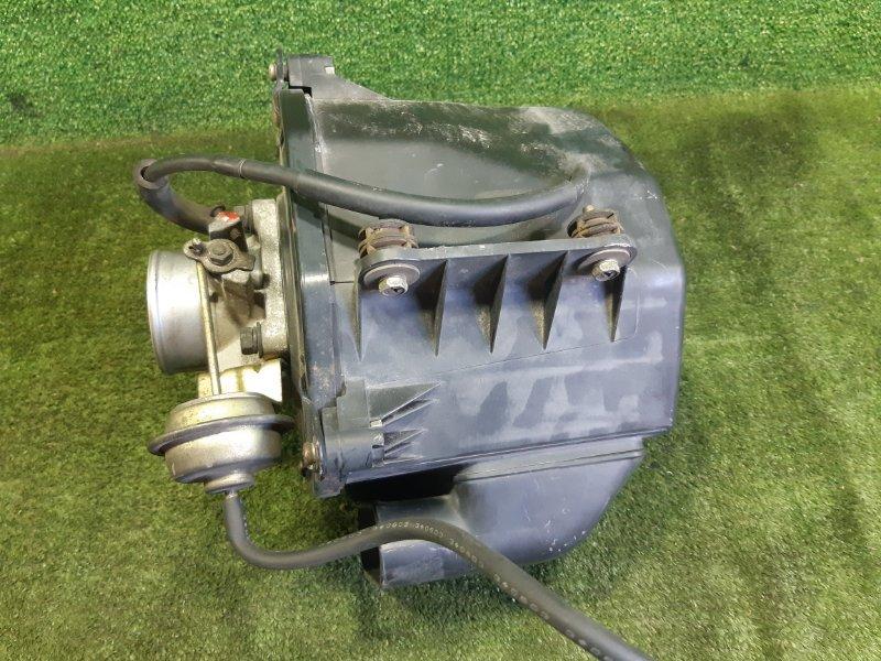 Корпус воздушного фильтра Nissan Laurel SC35 RD28 2000 (б/у)