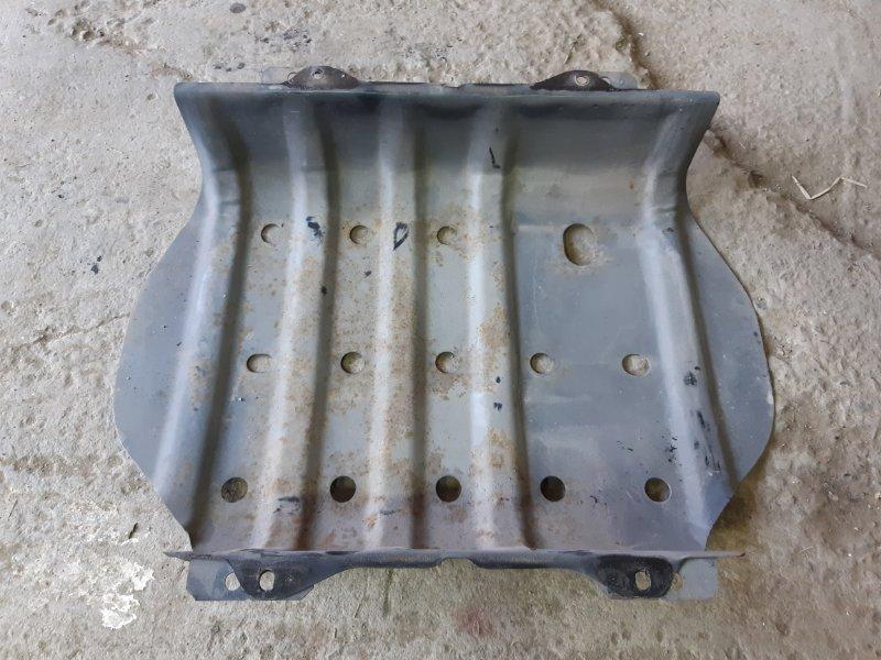 Защита топливного бака Nissan Safari WGY61 TB45E 2000 (б/у)