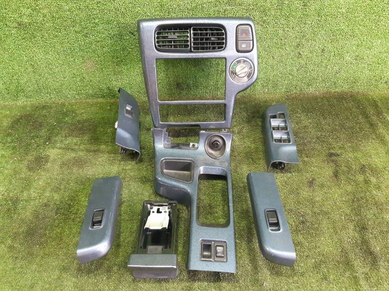 Консоль магнитофона Nissan Terrano TR50 ZD30DDTI 2001 (б/у)