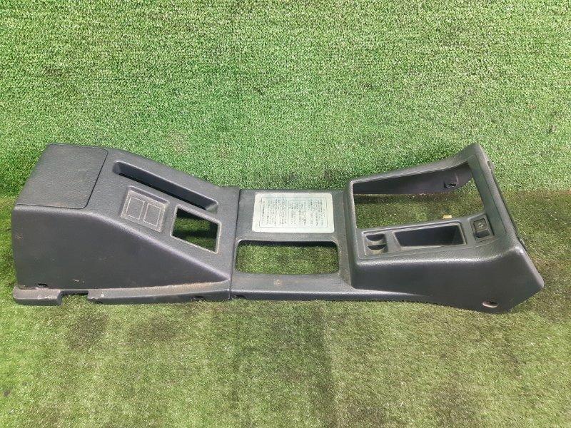 Бардачок между сиденьями Suzuki Escudo TD11W H20A 1995 (б/у)