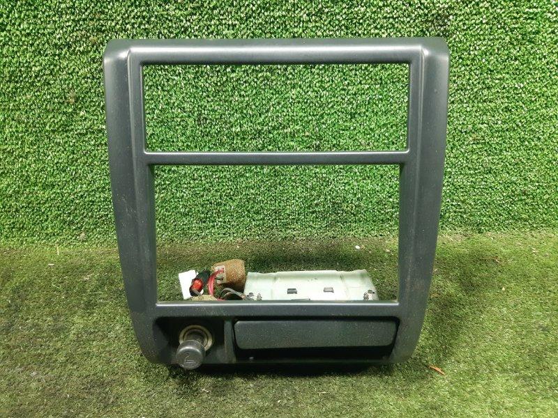 Рамка магнитофона Subaru Forester SF5 EJ205 2000 (б/у)