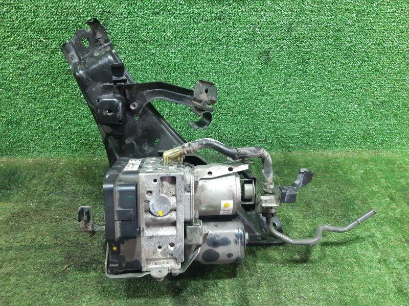 Блок abs Toyota Prius NHW20 1NZFXE 2006 (б/у)