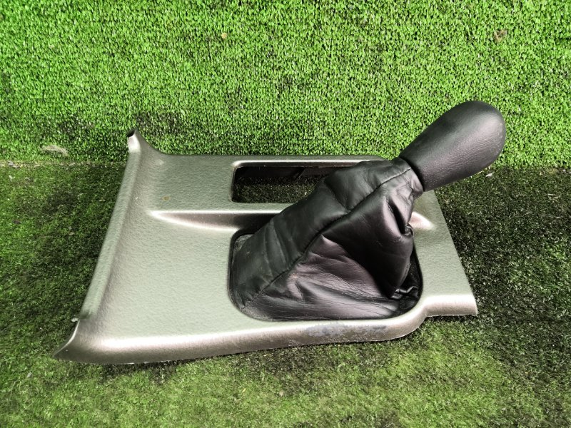 Консоль кпп Toyota Hilux Surf RZN185 3RZFE 2001 (б/у)