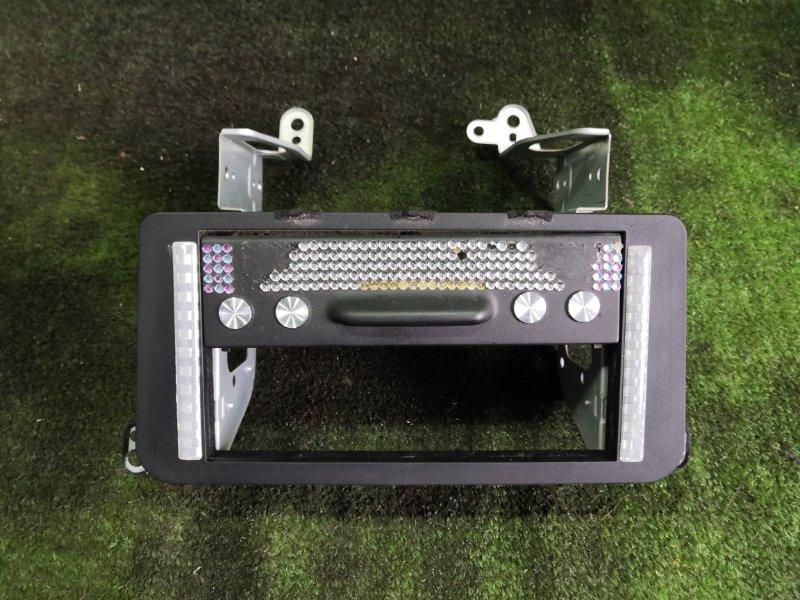 Крепление автомагнитолы Toyota Crown GS141 1GFE 1994 (б/у)