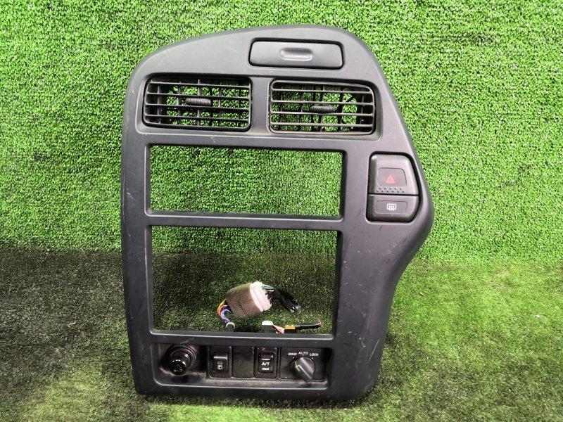 Консоль магнитофона Nissan Terrano RR50 QD32ETI 1996 (б/у)