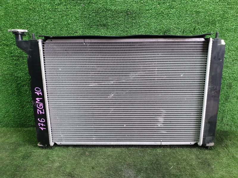 Радиатор основной Toyota Isis ZGM10 2ZRFAE 2009 (б/у)
