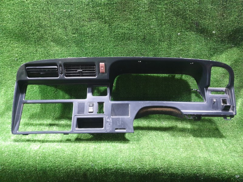 Консоль спидометра Toyota Hiace KZH106W 1KZTE 1996 (б/у)