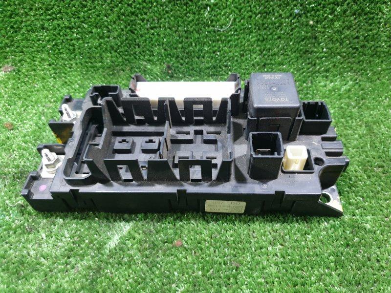 Блок реле Toyota Prius ZVW30 (б/у)