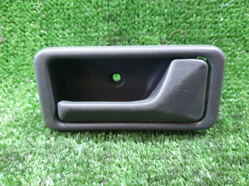 Ручка двери внутренняя Mazda Mpv LVLR WLT 1996 передняя правая (б/у)