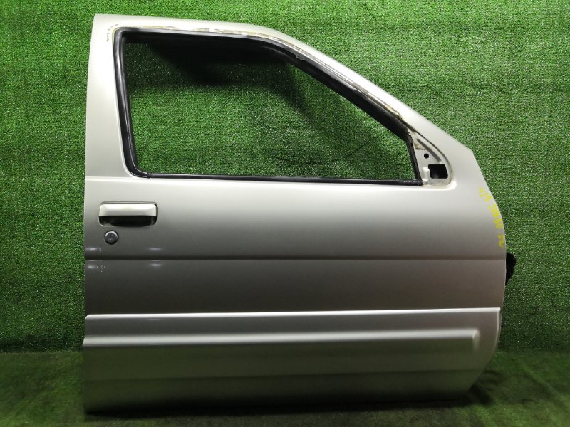 Дверь Nissan Terrano Regulus JRR50 QD32ETI 1997 передняя правая (б/у)