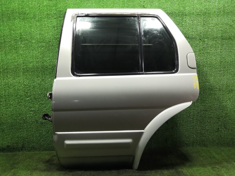 Дверь Nissan Terrano Regulus JRR50 QD32ETI 1997 задняя левая (б/у)
