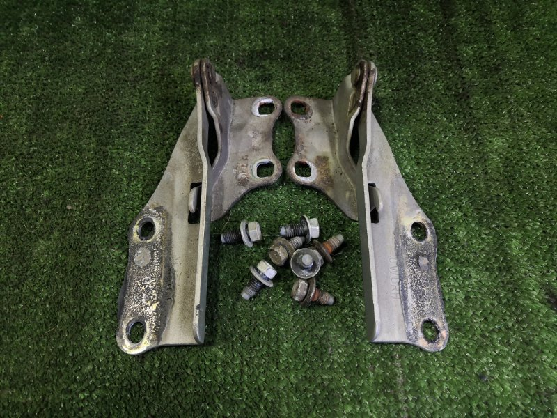 Крепление капота Nissan Terrano Regulus JRR50 QD32ETI 1997 (б/у)
