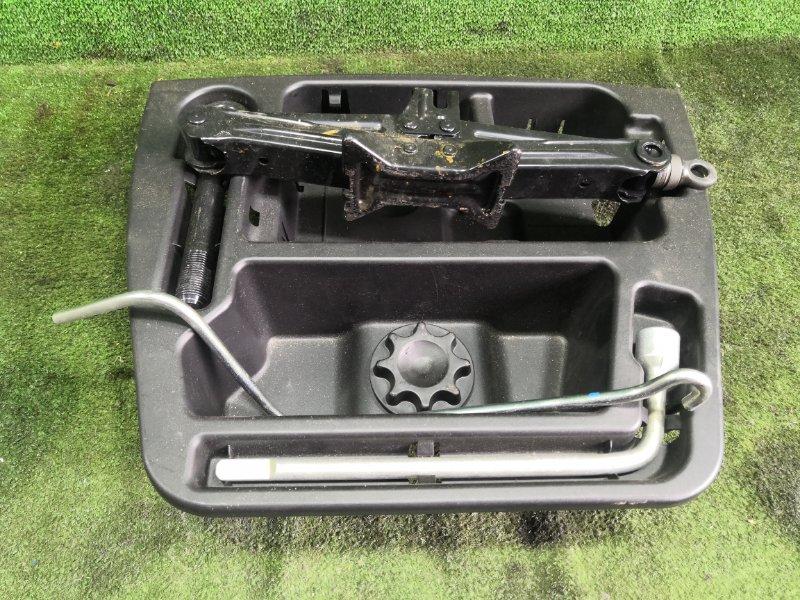 Ящик в багажник Toyota Vitz NSP135 1NRFE 2011 (б/у)