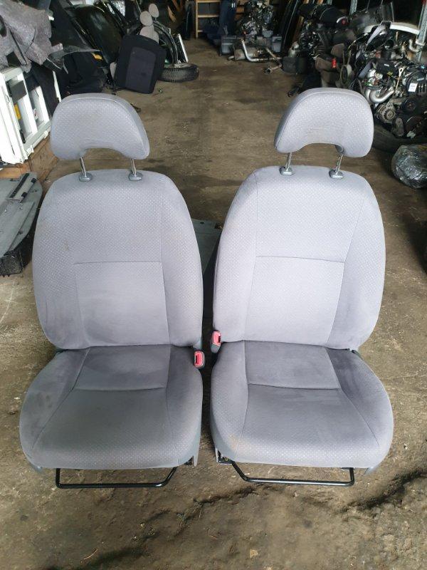 Сидения комплект Toyota Prius NHW20 1NZFXE 2009 (б/у)