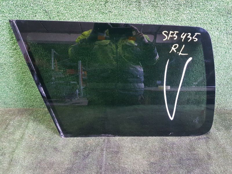 Стекло собачника Subaru Forester SF5 EJ205 1999 заднее левое (б/у)