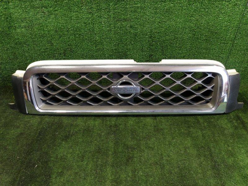 Решетка радиатора Nissan Terrano TR50 ZD30DDTI 2000 (б/у)