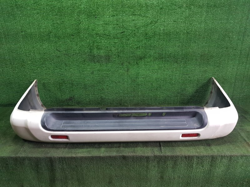 Бампер Nissan Terrano TR50 ZD30DDTI 2000 задний (б/у)