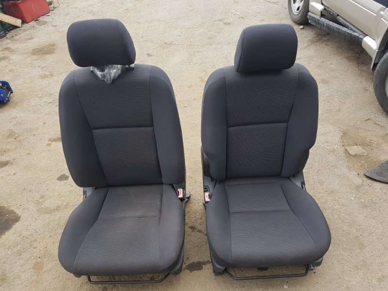 Сидения комплект Toyota Voltz ZZE138 1ZZFE 2002 (б/у)