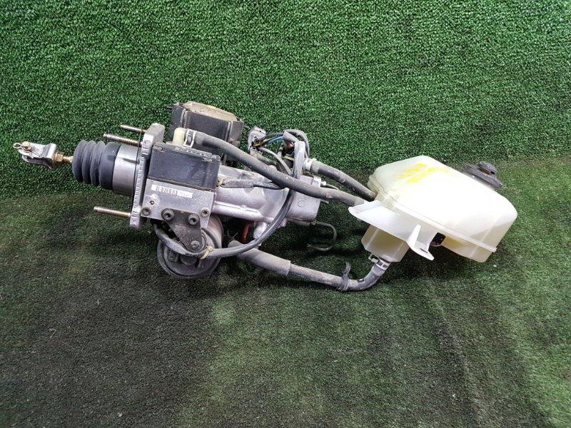 Главный тормозной цилиндр Toyota Prius NHW11 1NZFXE 2001 передний (б/у)