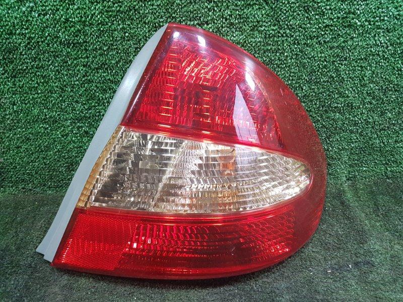 Стоп-сигнал Toyota Prius NHW11 1NZFXE 2001 задний правый (б/у)