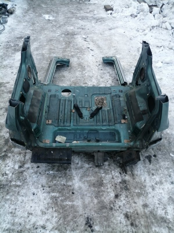 Задняя часть а/м Mitsubishi Pajero Io H66W 4G93 1998 задняя (б/у)