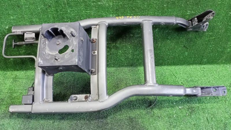 Крепление запасного колеса Nissan Terrano TR50 ZD30DDTI 2001 (б/у)