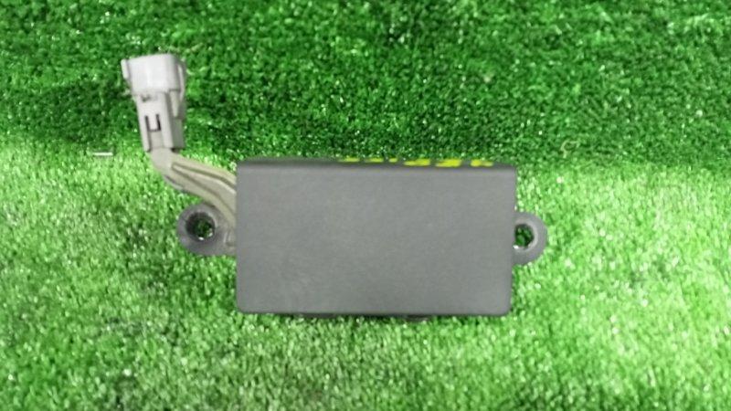 Резистор топливного насоса Toyota Crown JZS155 2JZGE 1999 (б/у)