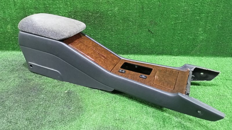 Бардачок между сиденьями Toyota Crown JZS155 2JZGE 1999 (б/у)