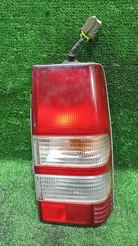 Стоп-сигнал Mitsubishi Pajero Junior H57A 4A31 1996 задний правый (б/у)