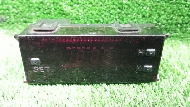 Часы Mitsubishi Pajero V88W (б/у)