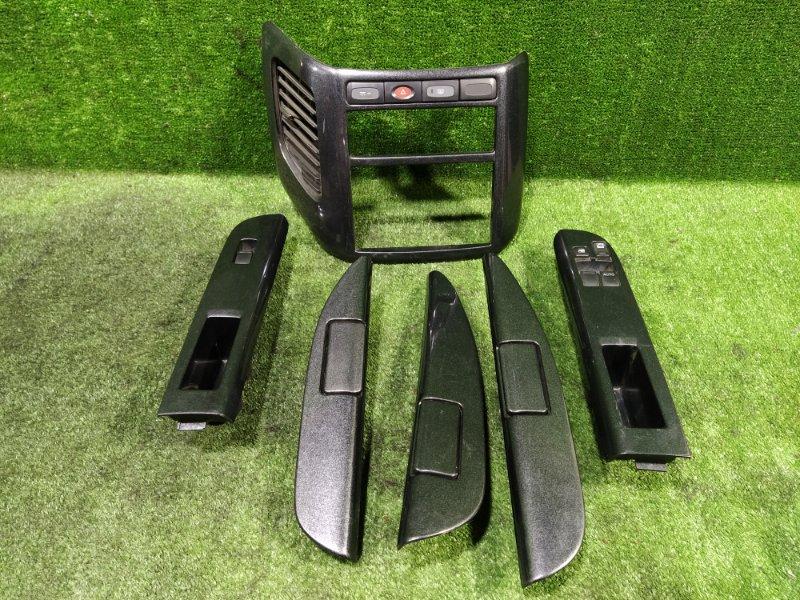 Консоль магнитофона Nissan Elgrand AVWE50 QD32ETI (б/у)