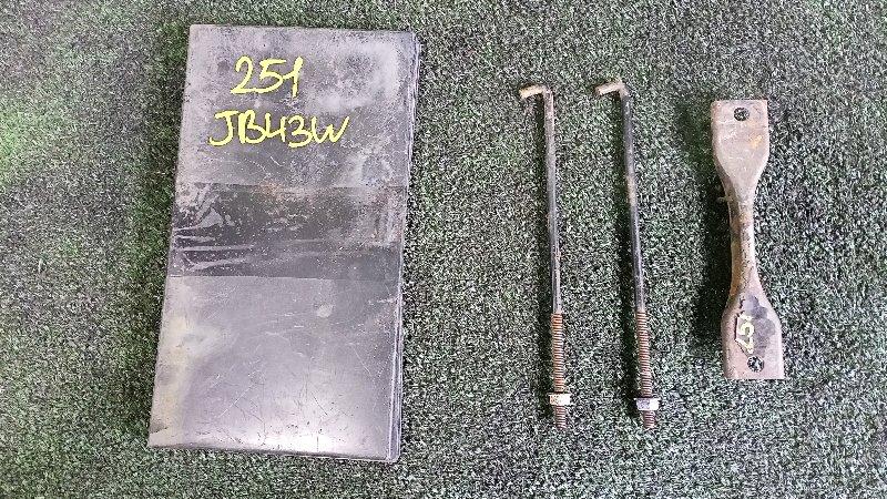 Крепление аккумулятора Suzuki Jimny Wide JB43W M13A 2001 (б/у)
