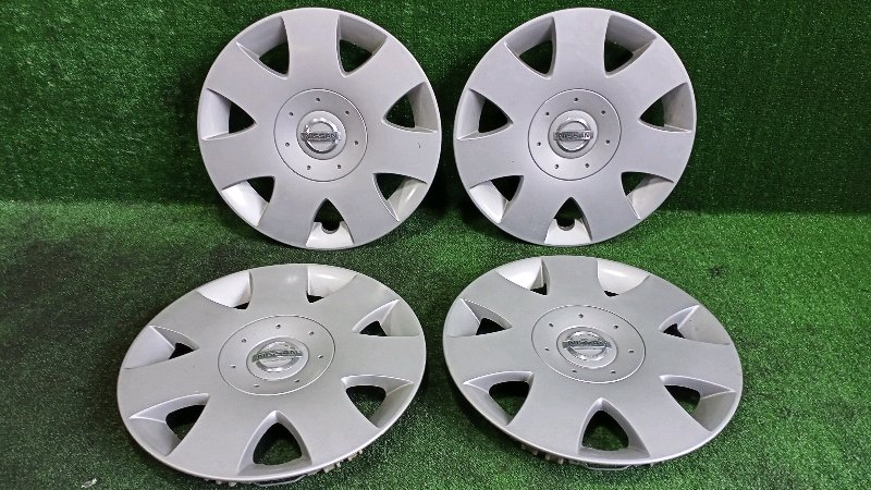 Колпак на колесо Nissan Bassara JVU30 YD25DDTI 1999 (б/у)