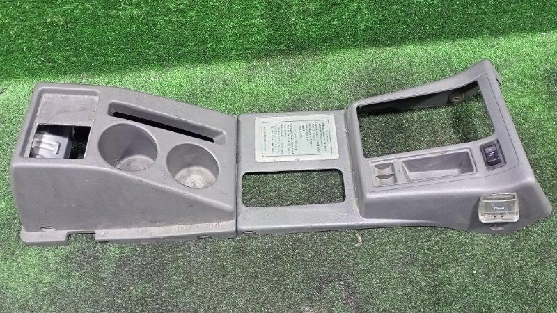 Бардачок между сиденьями Suzuki Escudo TD61W H25A 1996 (б/у)