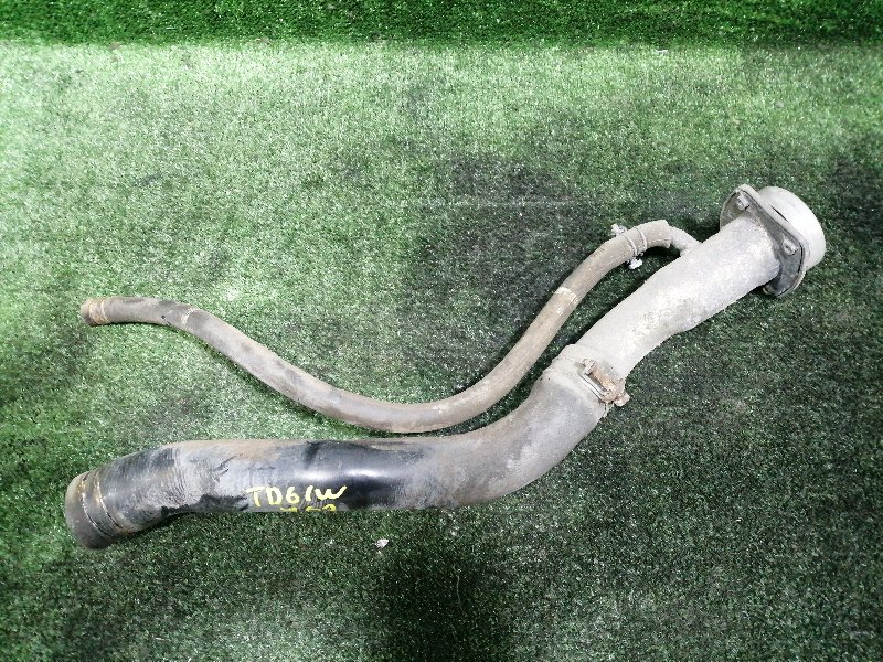 Горловина топливного бака Suzuki Escudo TD61W H25A 1996 (б/у)